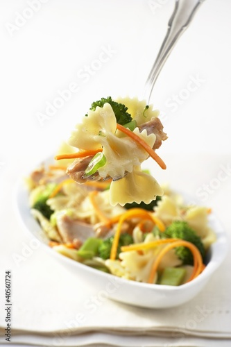 Farfalle primavera with chicken