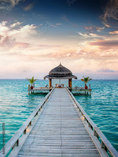 sunset-sunrise-jetty-at-maldives-malediven