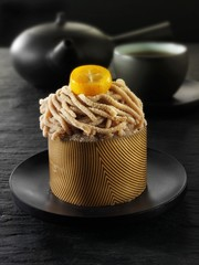 Small chestnut cake to serve with tea