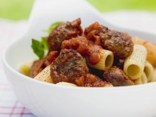 Rigatoni with sausage and tomato sauce