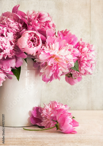 canvas print picture Pink peonies in vase