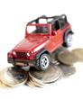 voiture déposée sur de l'argent