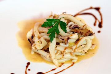 Calamari in salsa
