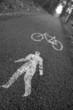 strada pedonale e ciclabile - bianco e nero