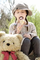 Das Mädchen und der Bär