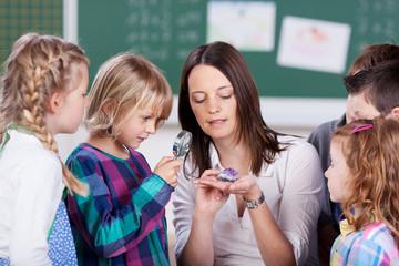 kleine forscher in der schule