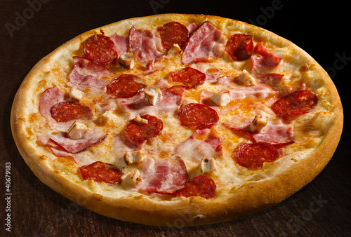 Pizza misto carne - isolated