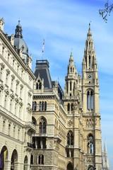 Wiener Rathaus und Votivkirche