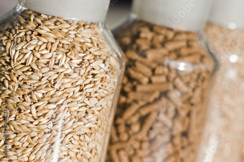Gerste & DDGS Pellets (Dried Distillers Grains with Solubles)