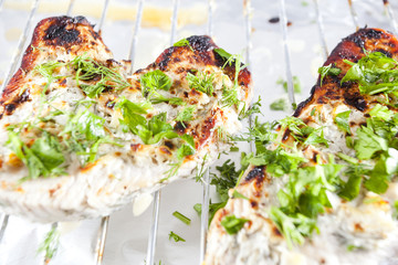 Grilled chicken breast with fresh herbs - Ducan diet