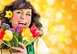 Fototapety Mädchen mit Frühlingsblumen / it's spring 5