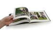 Tourner les pages d'un album photo - livre photo