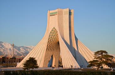 Azadi pomnik i wieża Milad