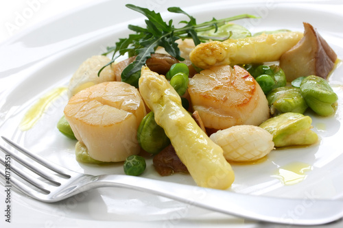 sauteed scallops,  white asparagus and broad beans