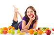 Gesunde Ernährung - junge Frau mit Obst