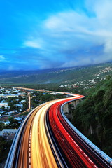 Trafic intense sur la route, La Réunion.