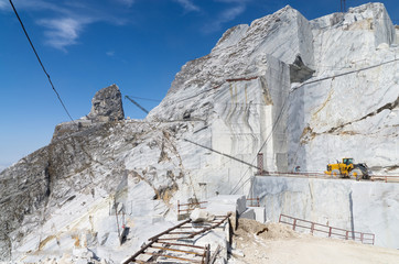 Toscana: Alpi Apuane, cava di marmo