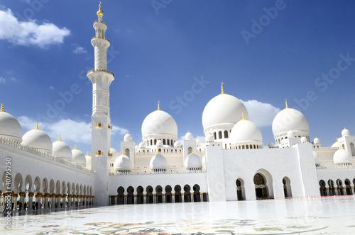 Cheikh Zayed Mosque in Abu Dhabi,