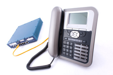 Téléphone fixe VOIP et modem convertisseur