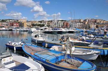 Porto di Pozzuoli Napoli