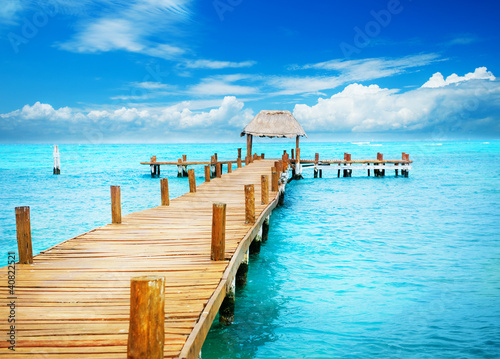 Vacation in Tropic Paradise. Jetty on Isla Mujeres, Mexico - 40822521