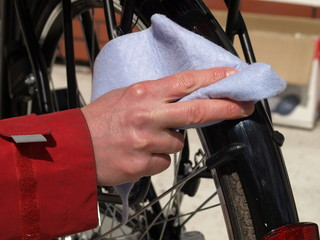 Cleaning a bicycle, closeup