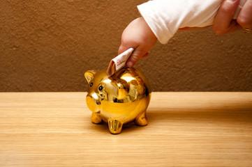 parent take their kid saving money