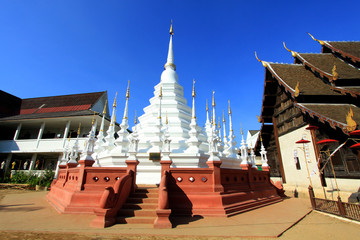 Beautiful temple in Thailand : Chiangmai (Wat pun tao)