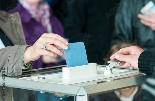 Leinwanddruck Bild women 's hand vote