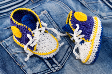 Knitting gym shoes for newborn