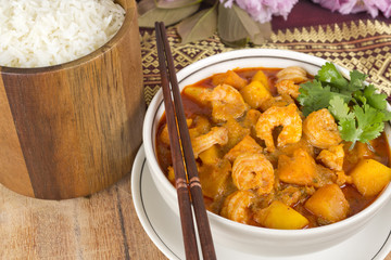 Thai Red Curry with prawns, pumpkin & mango served with rice