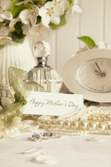 Note card with jewerly for mother's day