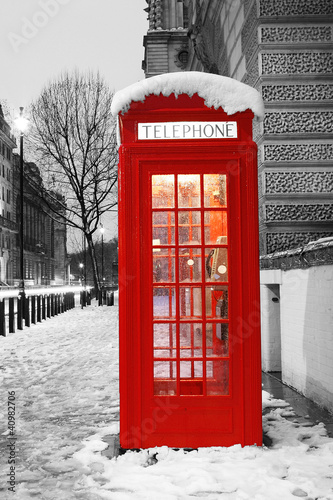 Deurstickers Rood, zwart, wit London Telephone Booth