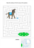 Help the donkey to find his way to the pasture (maze)