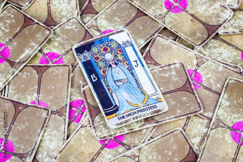 The High Priestess, Tarot card, Major Arcana (2)