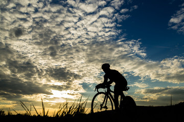 Triathlet auf dem Fahrrad