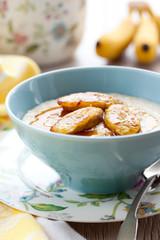 Porridge with bananas