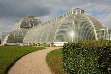 footpath to Palm House in Kew Gardens