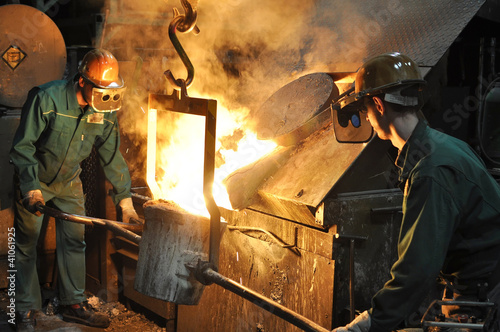 Industriearbeiter Giesserei // foundry industry employees