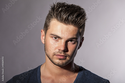 Portrait eines jungen Mannes