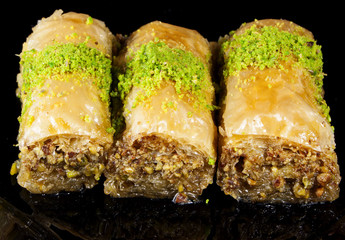 baklava filo pastry and syrup