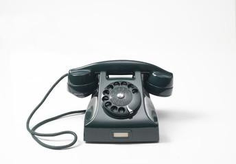 old green phone on white background, vecchio telefono a rotella