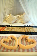 Honey moon bed