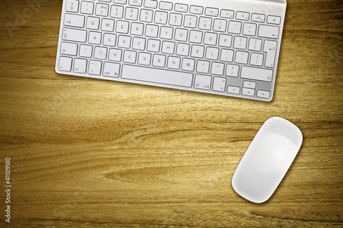 wireless keyboard mouse on desk