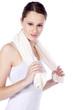 Junge hübsche Frau beim Sport mit Handtuch