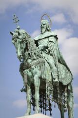 statua di santo stefano a budapest
