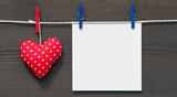 Rotes Herz mit Zettel - Love Concept