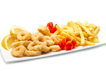 fritto di pesce con patatine fritte