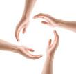 Vier Hände im Kreis