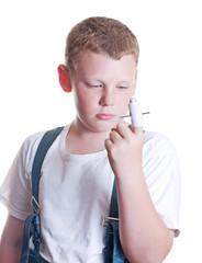 подросток проткнул палец гвоздем